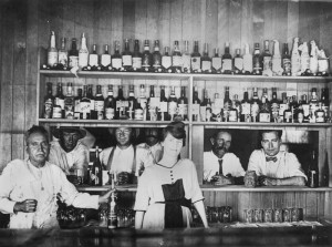 Drinking-at-the-bar-of-the-Quilpie-Hotel-ca-1921